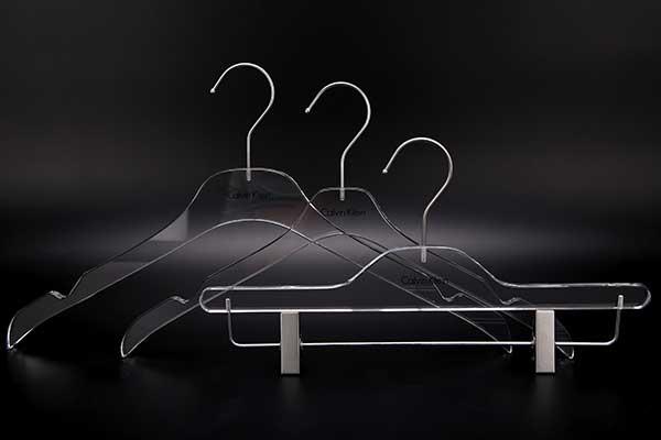 acrylic-hanger